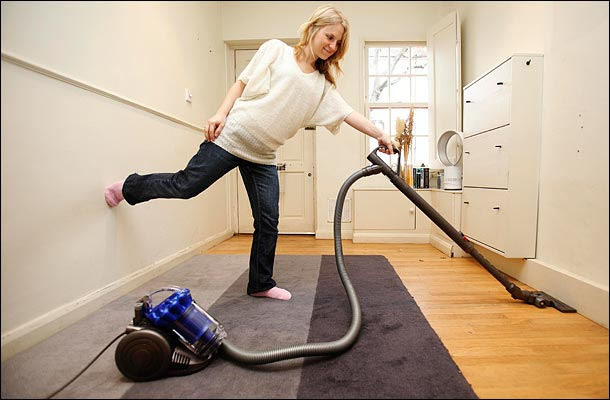 Bagged vs. Bagless Vacuum