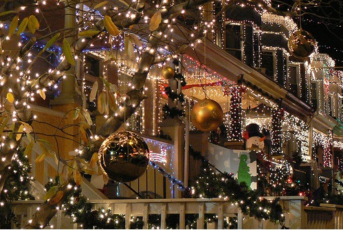 Three Different Ways for Holiday Decorating with Energy