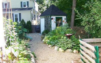 Green Gardens: 5 Inspiring Garden Storage Ideas