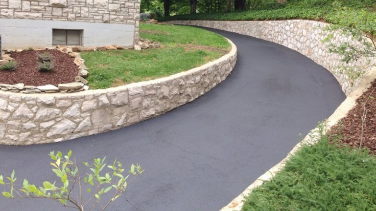 Tips on Preparing A Driveway For Paving