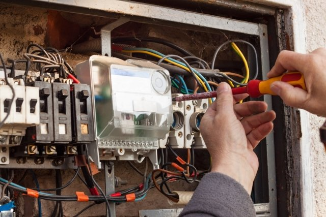 Signs Your Home May Need Electrical Improvement