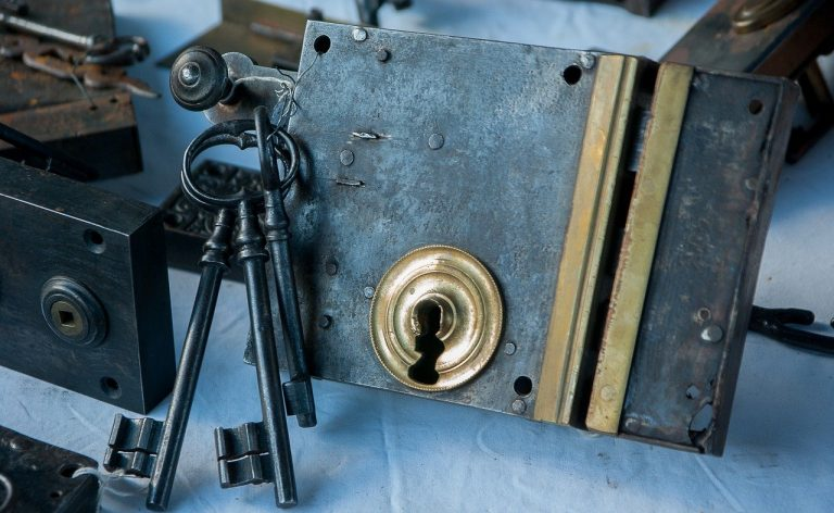 Why A Local Locksmith Should Be on Speed Dial!